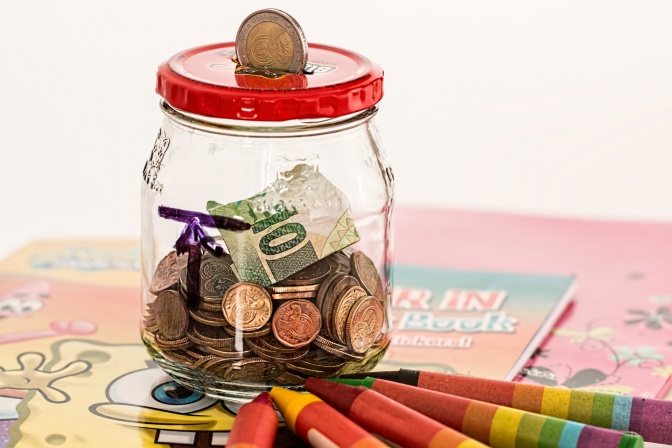 Sisters share how they teach money management to their children